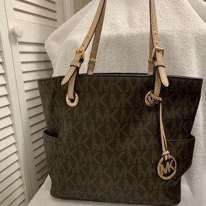 preowned authentic michael kors tote